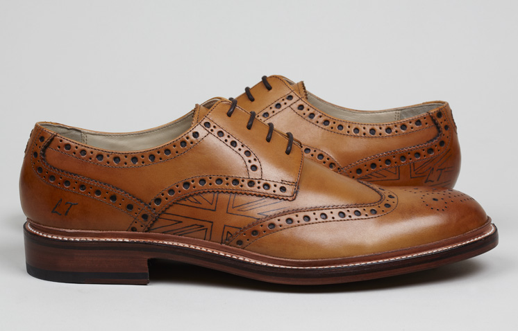 LEATHER LOVE:Tattooed leather shoes |